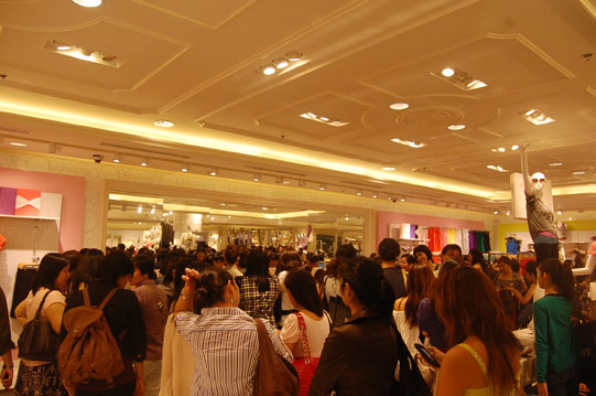 forever-21-crowds